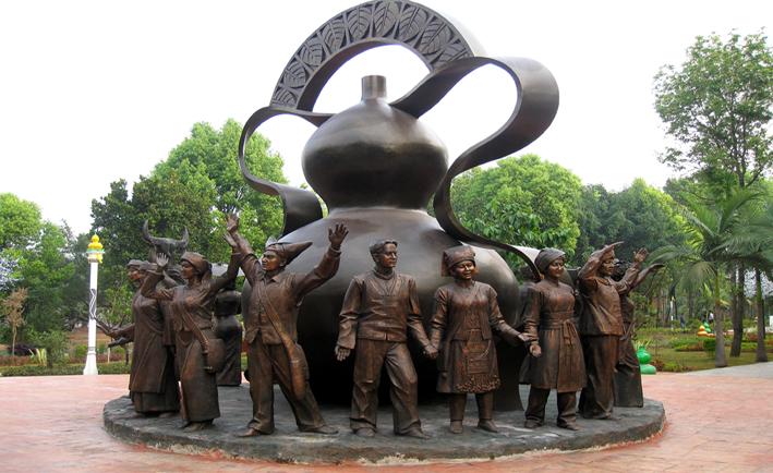 雕塑-民族大团结