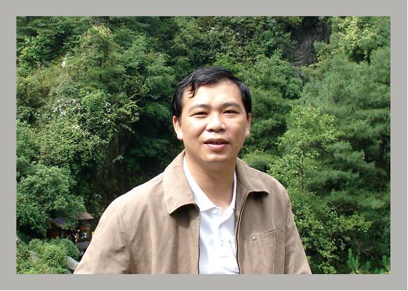 总公司直属经营部主任-肖庆